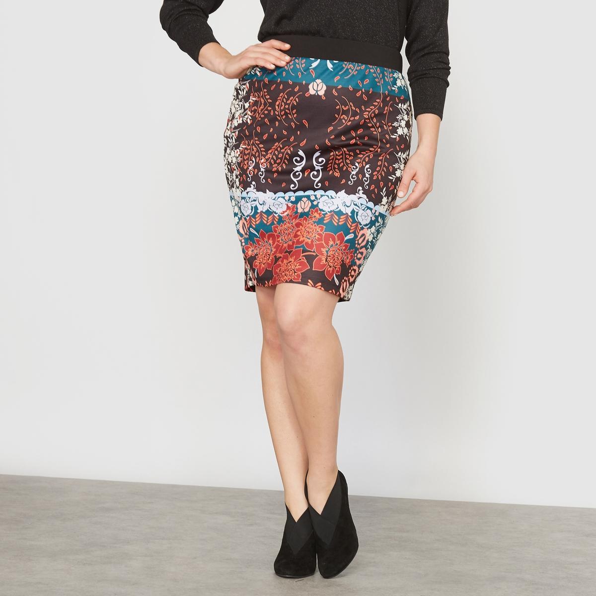 Юбка прямая с рисункомПрямая юбка с рисунком. Рисунок из лоскутов и атласный трикотаж.Красивая отделка : эластичный гладкий пояс черного цвета под креп. Застежка на молнию посередине сзади.С рисунком спереди и сзади.Состав и описание :Материал : эластичный атласный трикотаж 95% полиэстера, 5% эластана, подкладка из трикотажа.Длина : 52 см. Марка : CASTALUNA.Уход : Машинная стирка при 30 °C.<br><br>Цвет: цветочный рисунок<br>Размер: 56 (FR) - 62 (RUS)