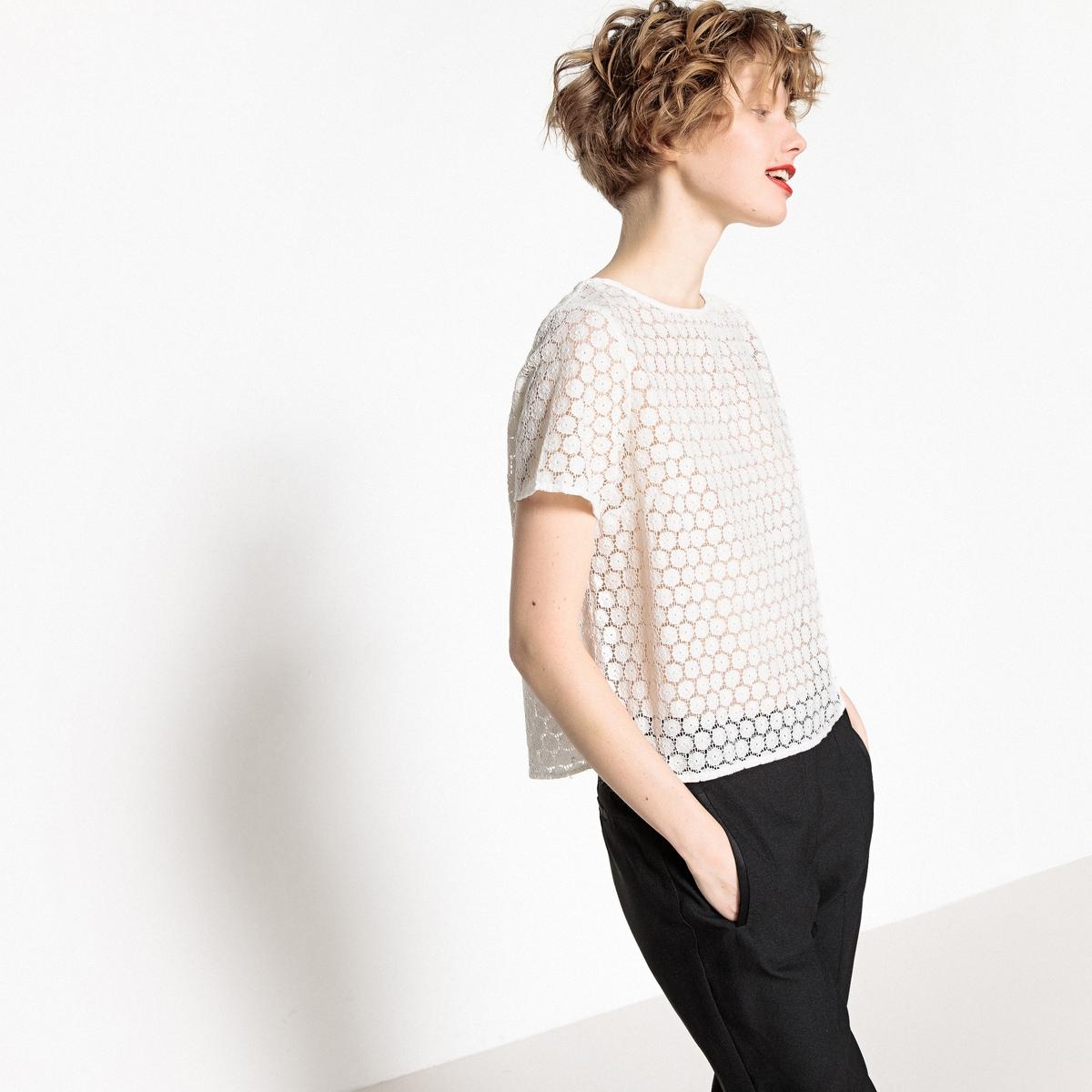 Блузка с круглым вырезом, короткими рукавами и английской вышивкой