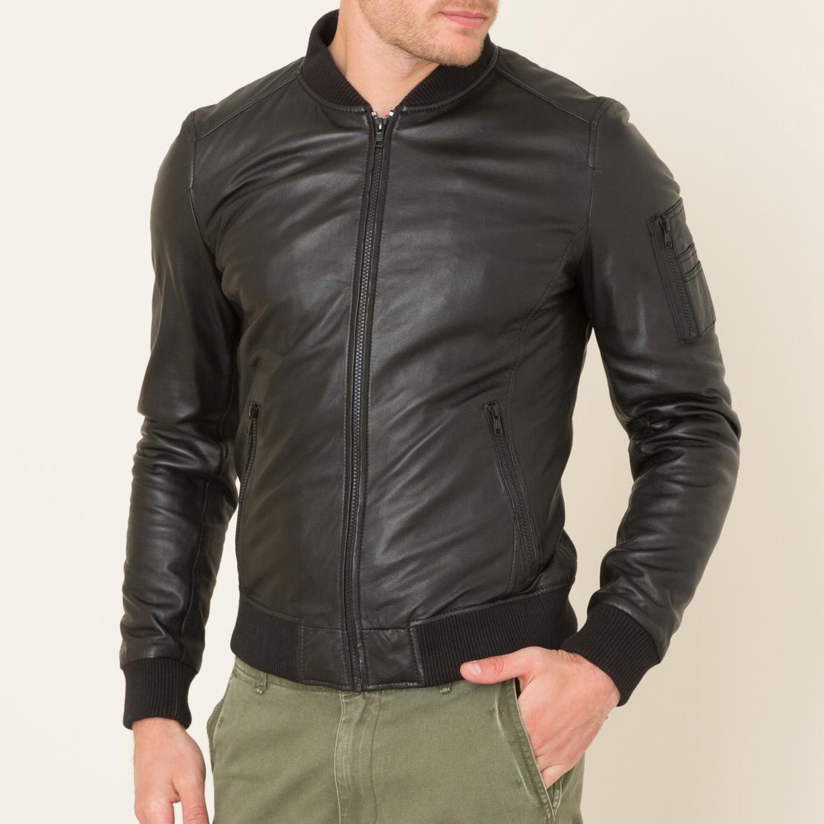 Кожаная курткаСостав и описаниеМатериал: баранья кожа.Трикотаж в рубчик: 98% хлопка, 2% эластанаПодкладка и наполнитель 100% полиэстер ? подкладки из сетчатого материала: 100% нейлонДлина: ок. 67 см. (для размера 36)Марка: OAKWOOD<br><br>Цвет: черный
