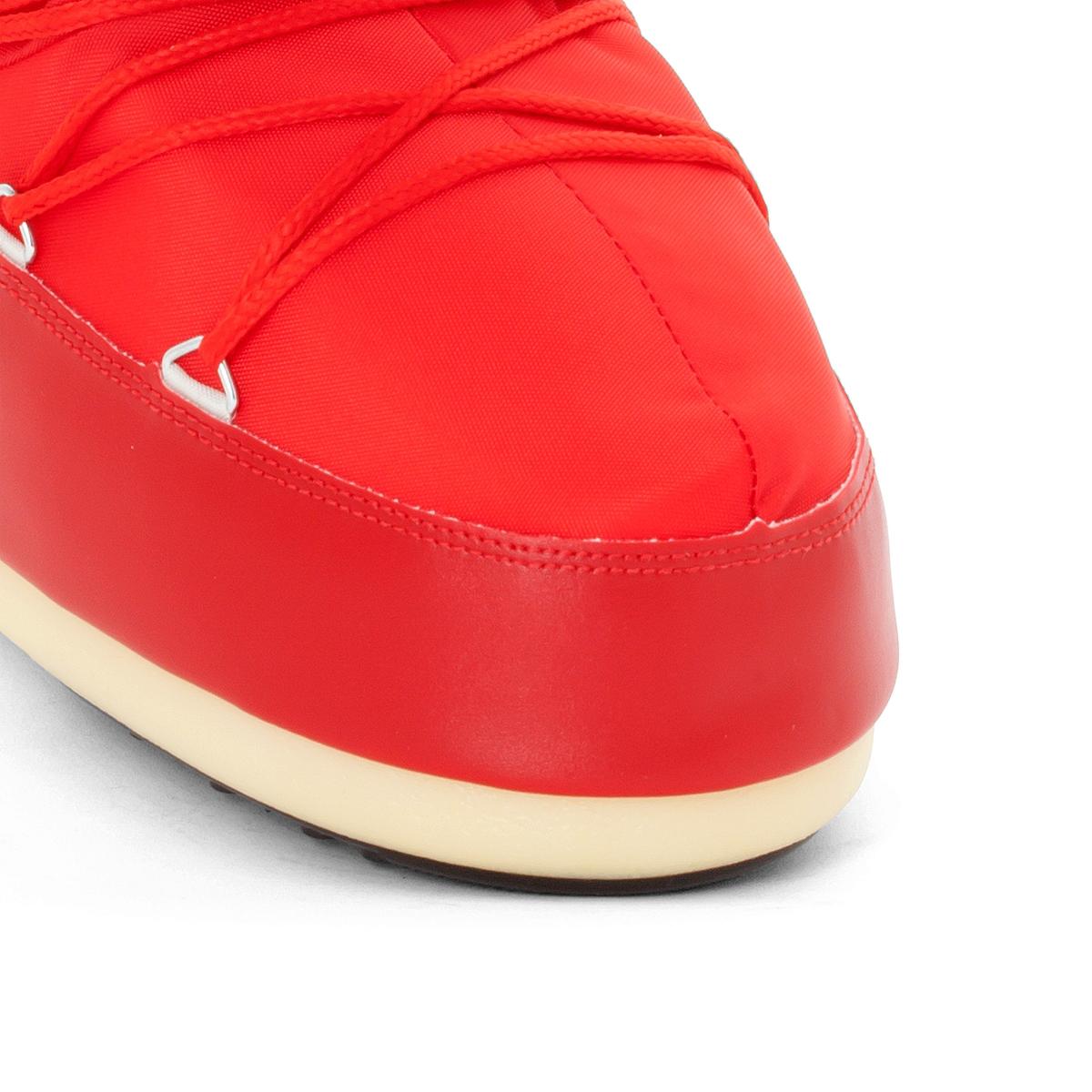 Сапоги NYLONВерх/Голенище : синтетика         Подкладка   : синтетика   Стелька : синтетика   Подошва   :    Форма каблука : плоский   Мысок : Закругленный   Застежка   : без застежки<br><br>Цвет: красный