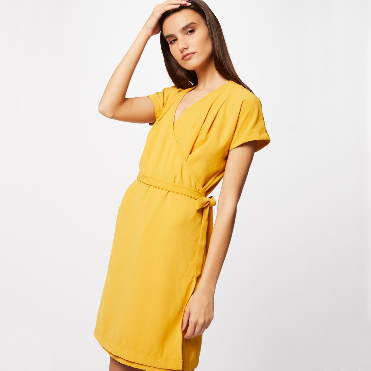 Платье с запахом с короткими рукавами