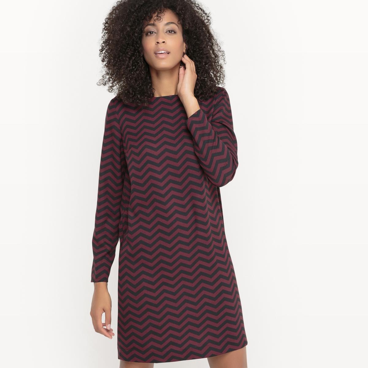 Платье-футляр из крепа, с зигзагообразным рисунком