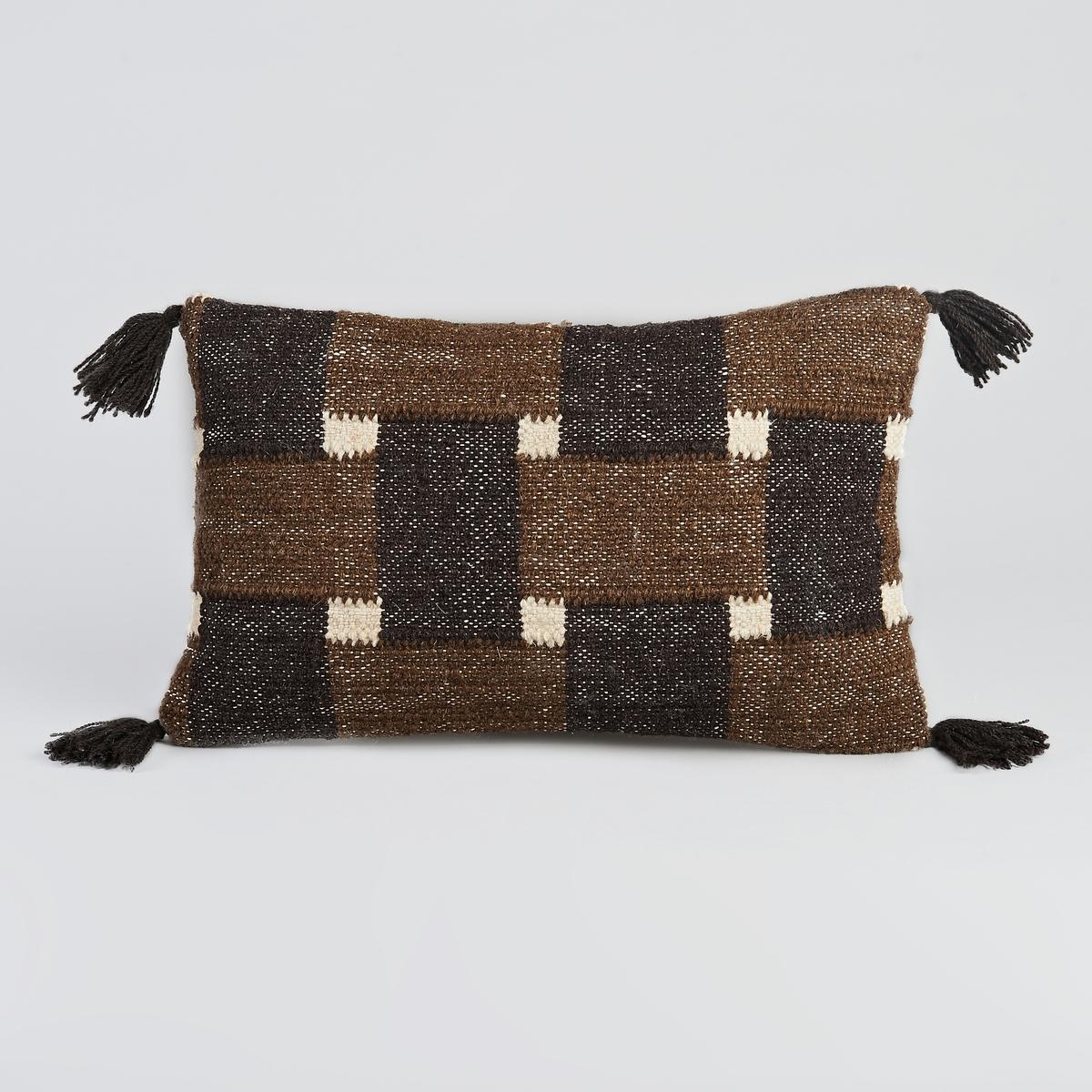 Чехол для подушки LivillaЧехол для подушки Livilla. Черно-зеленый рисунок. 70% шерсти, 20% хлопка, 10% других волокон, спинка из 100% хлопка. Скрытая застежка на молнию. Размеры. 50 x 30 см. Подушка продается на сайте отдельно.<br><br>Цвет: черный/ хаки