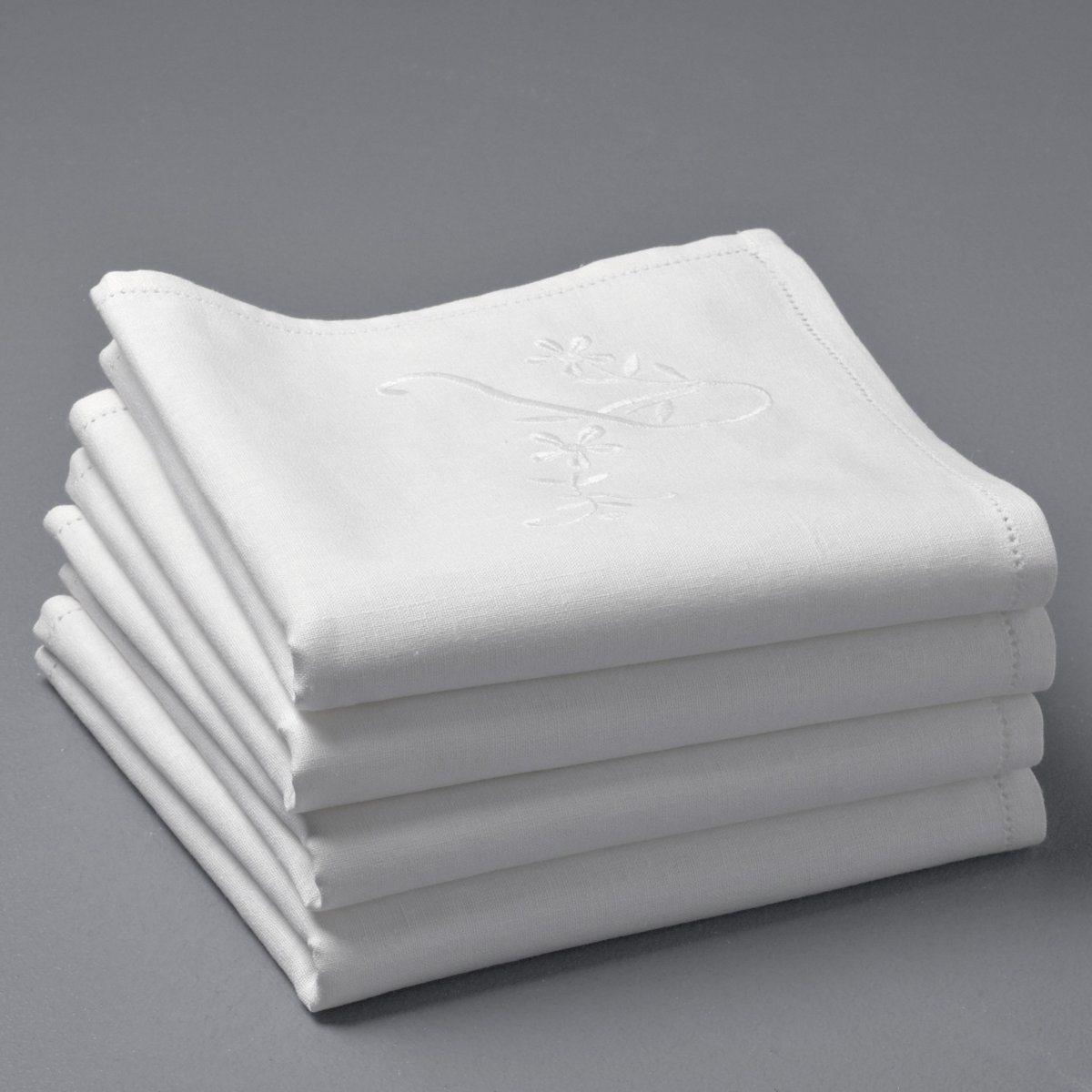 4 салфетки Монограмма4 салфетки Монограмма из смесовой ткани с вышивкой в тон. Романтичный шик в духе прошлых лет! Мягкий и прочный материал из 55% льна и 45% хлопка. Вышитая монограмма L с цветочным узором. Стирка при 40°. 45 х 45 см.<br><br>Цвет: белый
