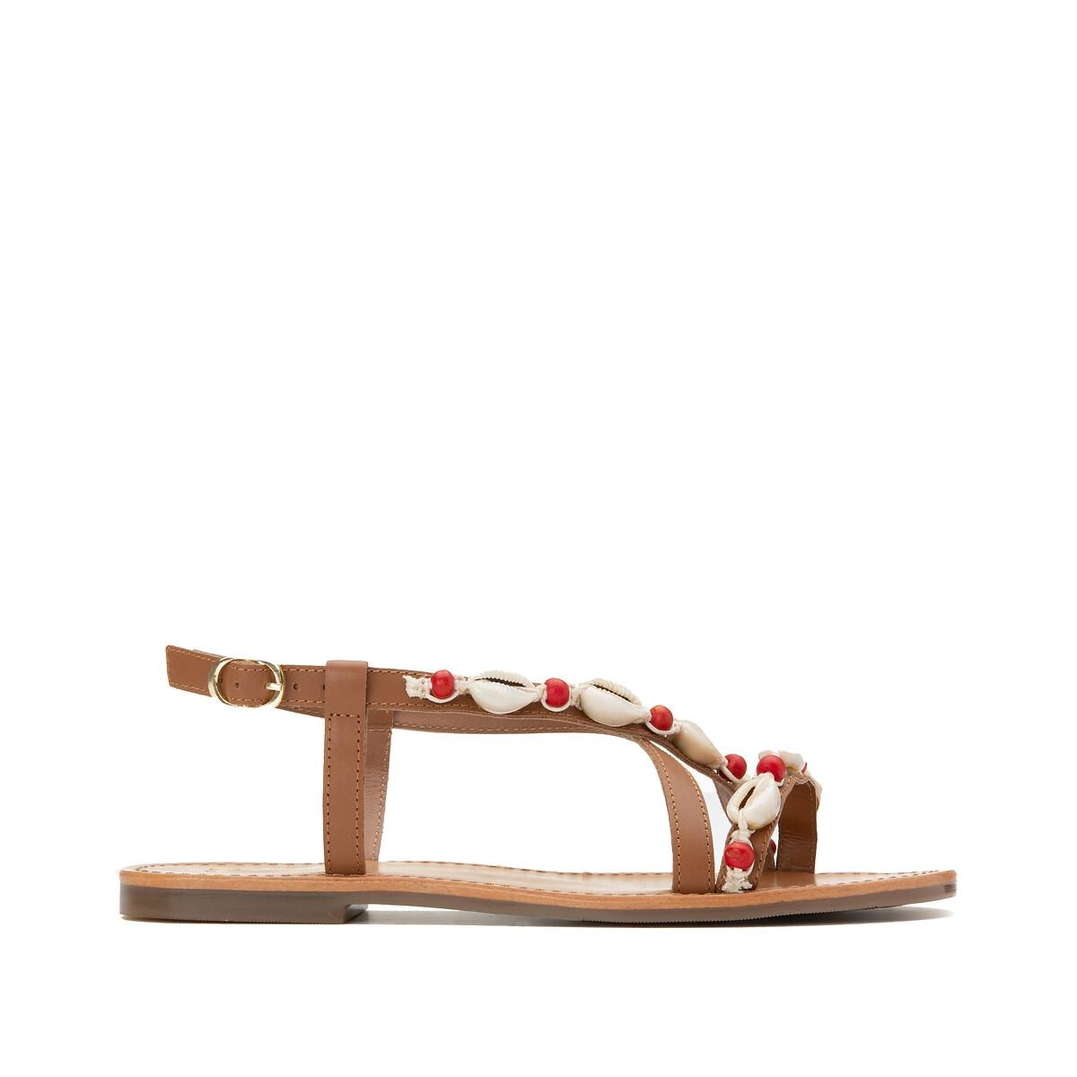 Sandalias de piel con correas y detalles de conchas