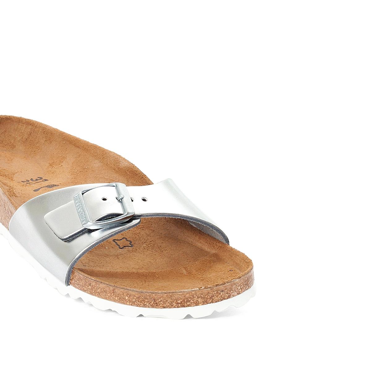 Туфли без задника синтетическиеДетали   •  Вьетнамки •  Застежка : без застежки •  Открытый мысокСостав и уход   •  Верх 100% синтетический материал •  Подкладка 100% текстиль •  Стелька 100% кожа •  Подошва 100% ЭВА<br><br>Цвет: серебристый