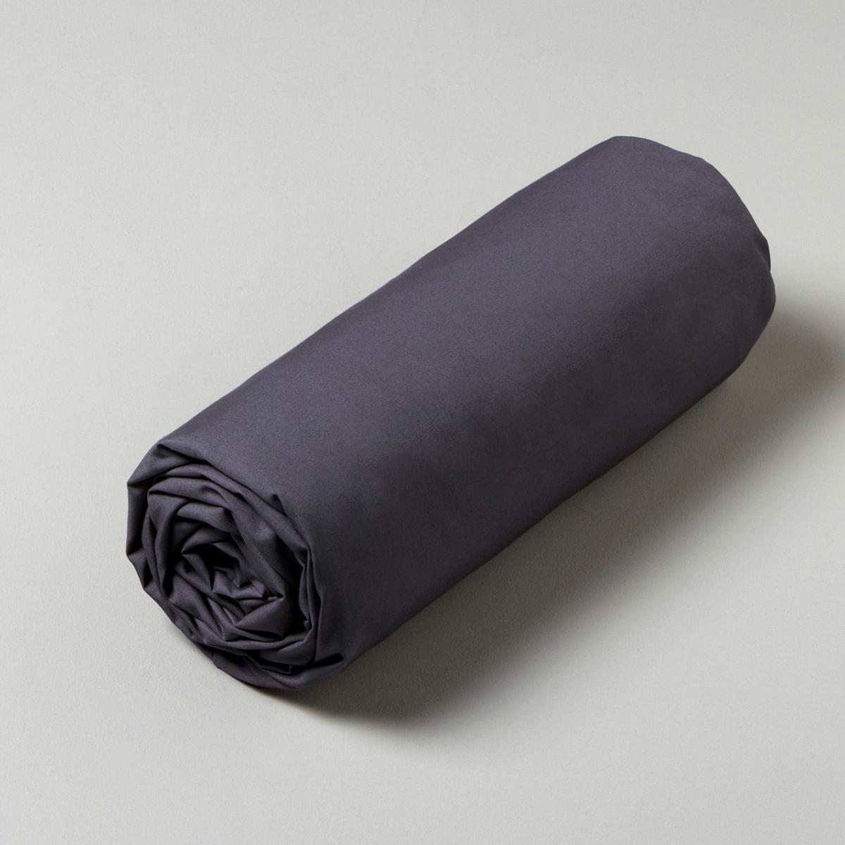Натяжная простыня из перкалиНатяжная простыня Patati. Перкаль, 100% хлопка. 4 эластичных угла. Стирка при 40°.<br><br>Цвет: белый,сероватый<br>Размер: 140 x 190  см