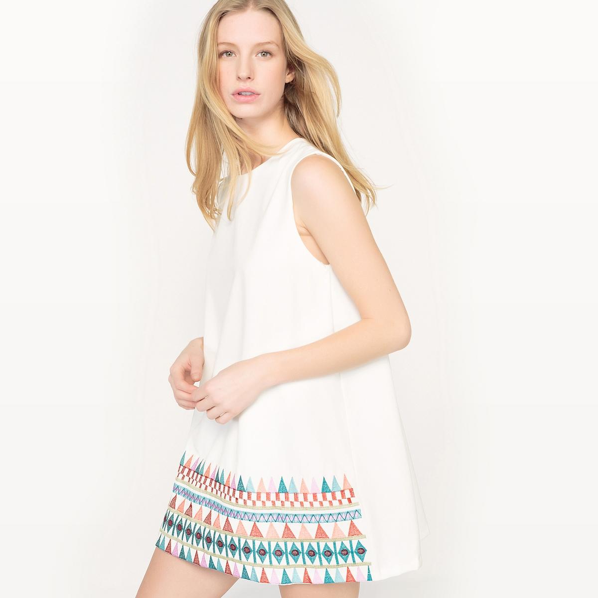 Платье-трапеция с вышивкойМатериал : 10% эластана, 90% полиэстера  Длина рукава : без рукавов  Форма воротника : круглый вырез Покрой платья : платье прямого покроя    Рисунок : графический   Длина платья : короткое<br><br>Цвет: белый,черный<br>Размер: XL.M.S.M