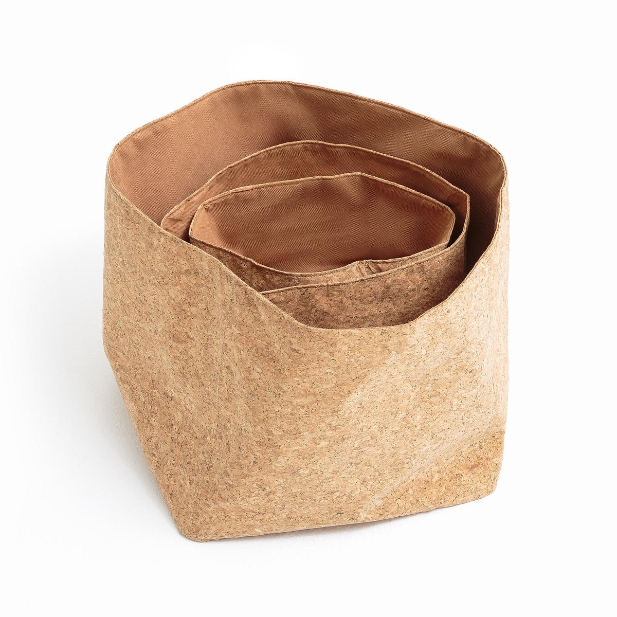 3 коробки для вещей из пробкиОписание:3 коробки для вещей из пробки  . из натурального материала, очень удобные коробки для хранения ваших аксессуаров или для использования в ванной …Описание коробки : Коробка из мягкой пробки Подкладка из полиэстера Размерв коробок :Большая: H30 x 34 x 34 см Средняя: H23 x 28 x 28 см Маленькая : H16 x 20 x 20 см Расцветка : Натуральная Размеры и вес ящика :60 x 38 x 39 см 7 кг<br><br>Цвет: серо-бежевый