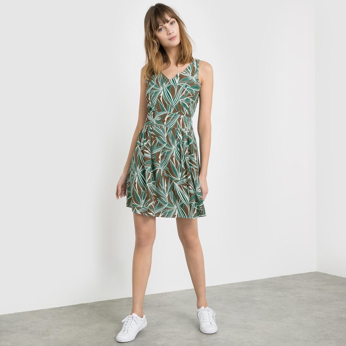 Платье из струящейся ткани без рукавов с рисунком листья, V-образным вырезом и вставкой сзади