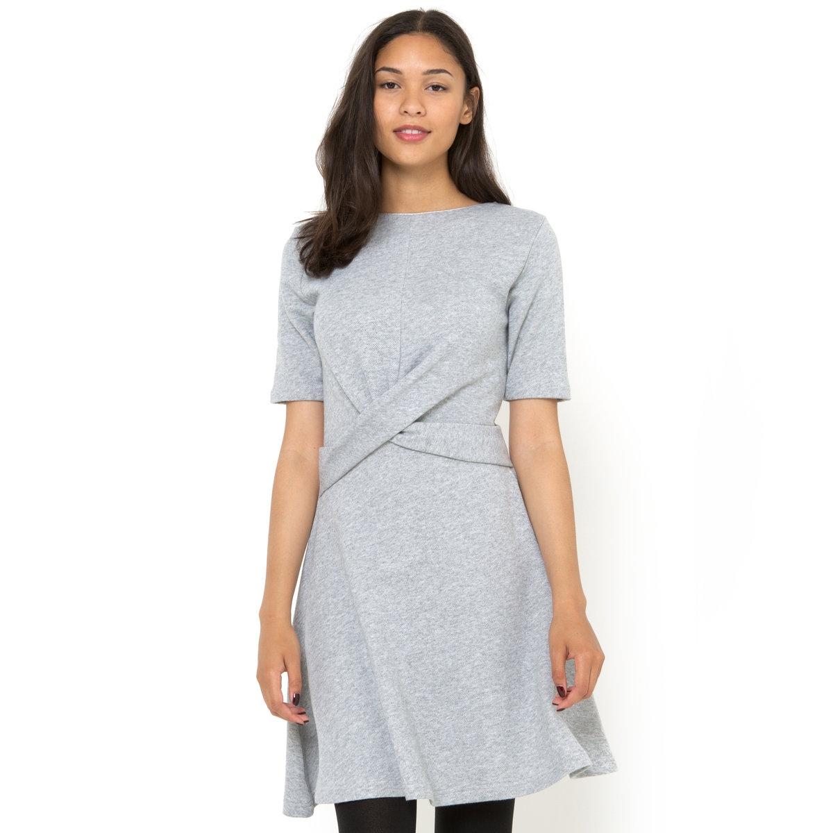 ПлатьеПлатье PEPE JEANS. 60% хлопка, 40% полиэстера. Короткие рукава.<br><br>Цвет: серый меланж<br>Размер: M