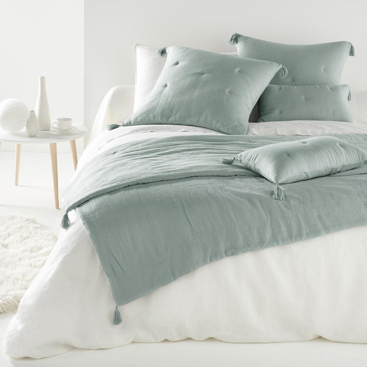 Одеяло однотонное, 100% хлопок, KumlaХарактеристики одеяла из 100% хлопка Kumla :Верх из 100% хлопка.Наполнитель из 100% полиэстера (120 г/м?).Отделка вышивкой крестиком в тон.4 помпона по краям одеяла.Стирка при 30°.Соответствующий чехол для подушки и другую текстильную продукцию вы найдете на сайте laredoute.ruРазмер на выбор :90 x 190 см150 x 150 см<br><br>Цвет: серо-зеленый