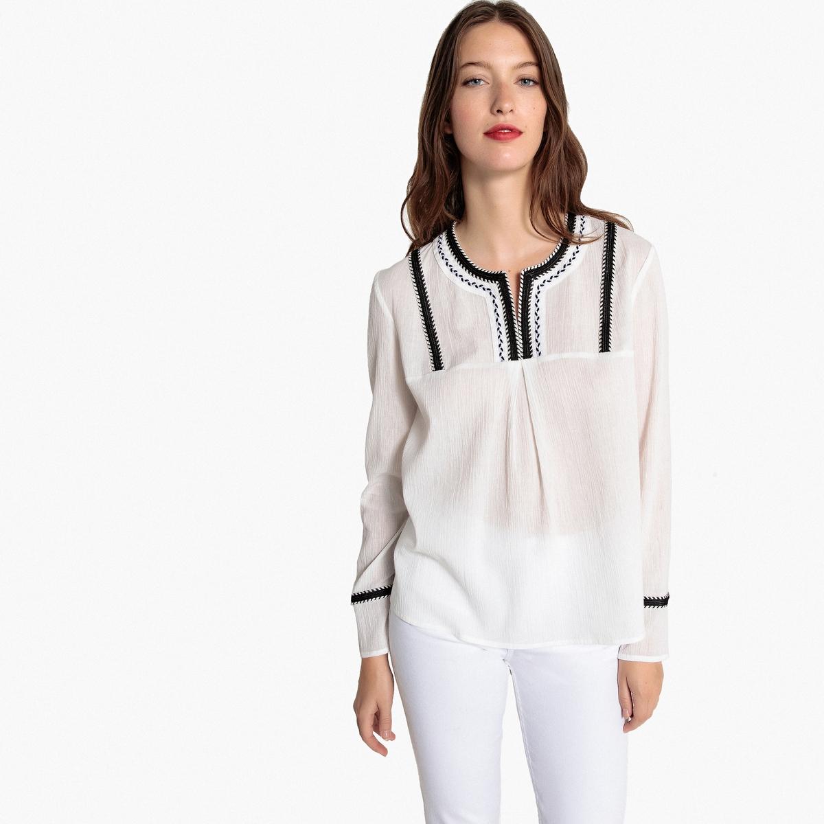 Блузка с вышивкой с длинными рукавами