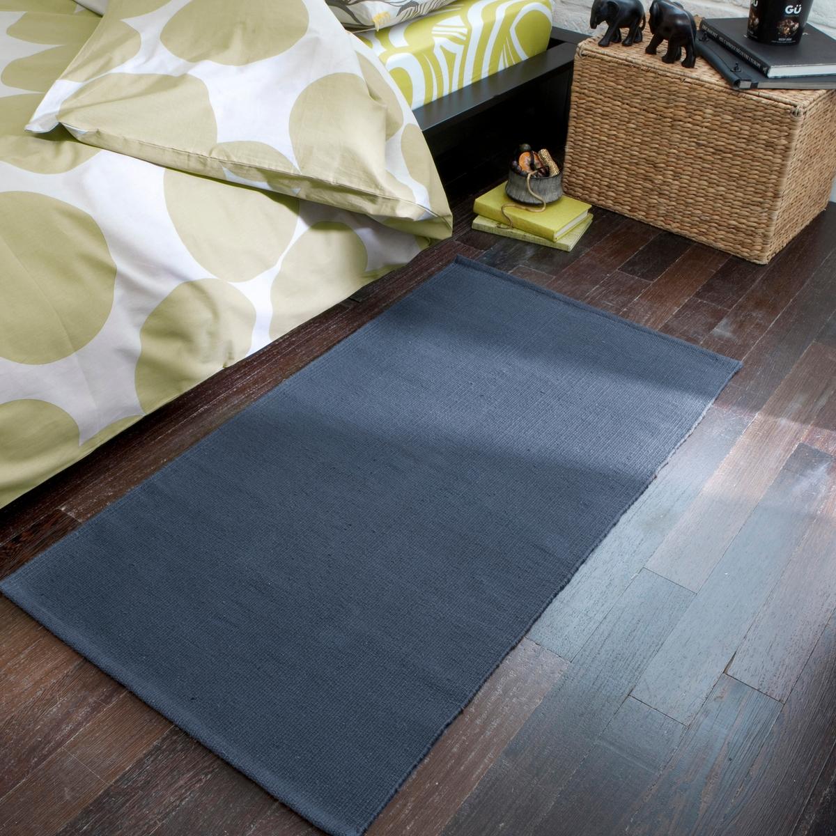 Коврик прикроватный Junkan из хлопкаХарактеристики прикроватного коврика Junkan из хлопка:80% хлопка, 20% полиэстера..875 г/м?.Машинная стирка при 40 °С.Другие коврики Вы можете найти на laredoute.ru.Размеры прикроватного коврика Junkan :Ширина : 60 смДлина : 110 см<br><br>Цвет: серый,сине-серый