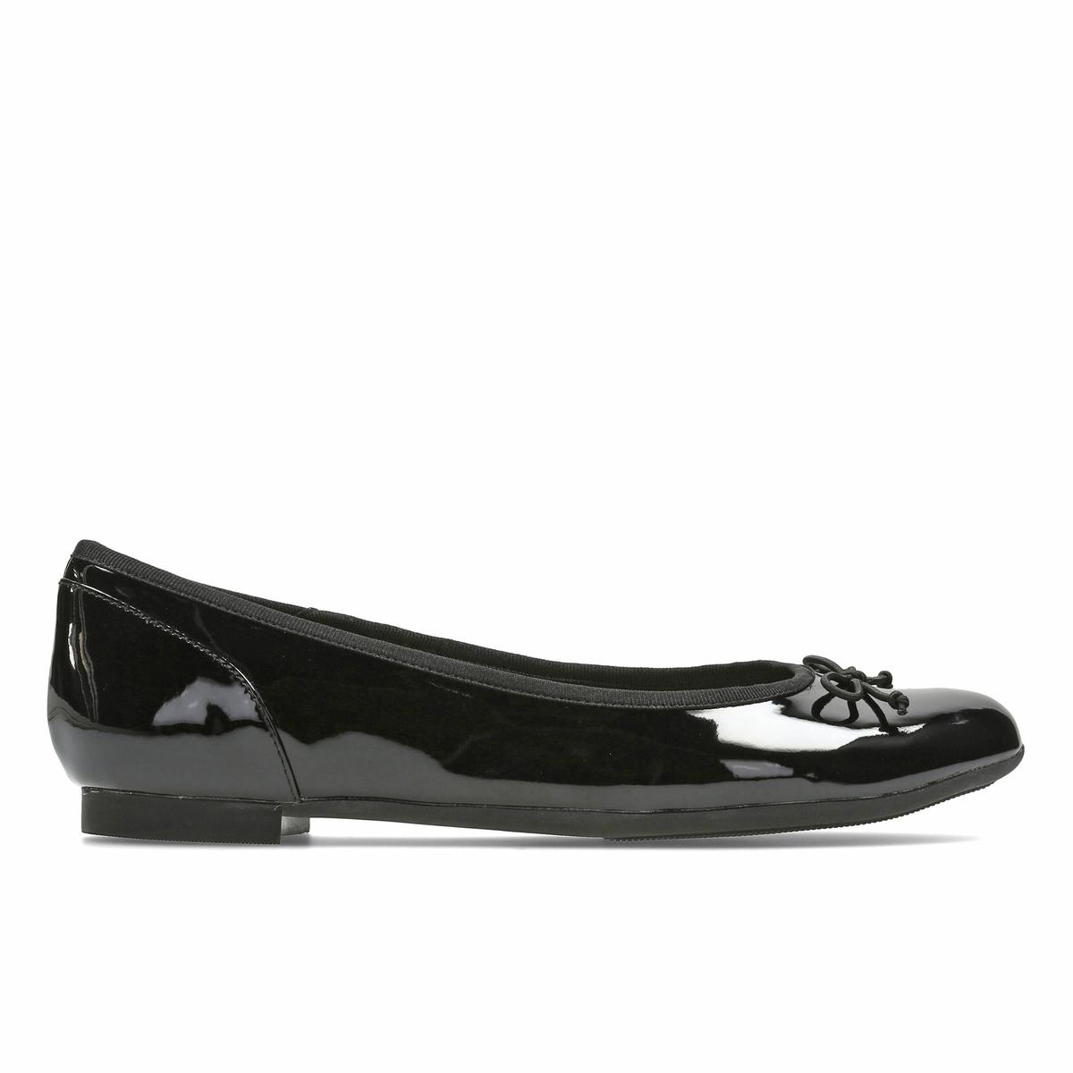 Сандалии кожаные Barley BelleВерх :  синтетика         Подкладка :  текстиль         Стелька : синтетика         Подошва : Каучук         Высота каблука : 1 см.         Форма каблука : плоский каблук         Мысок : закругленный         Застежка : Без застежки<br><br>Цвет: Черный лак<br>Размер: 40