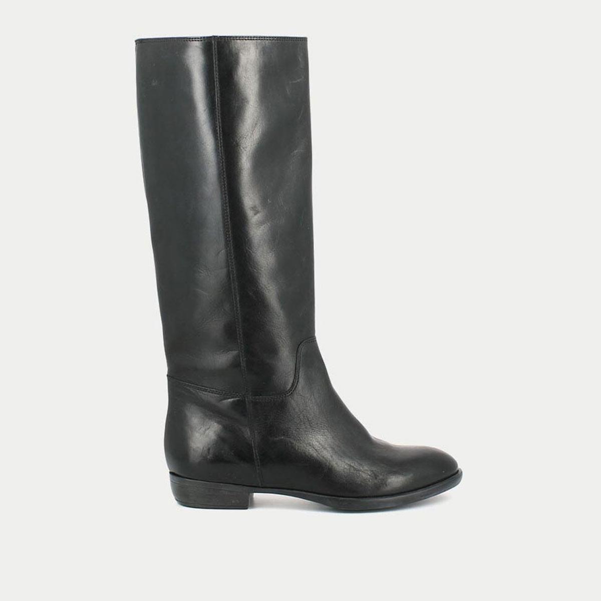 Сапоги кожаные на плоском каблуке 1137