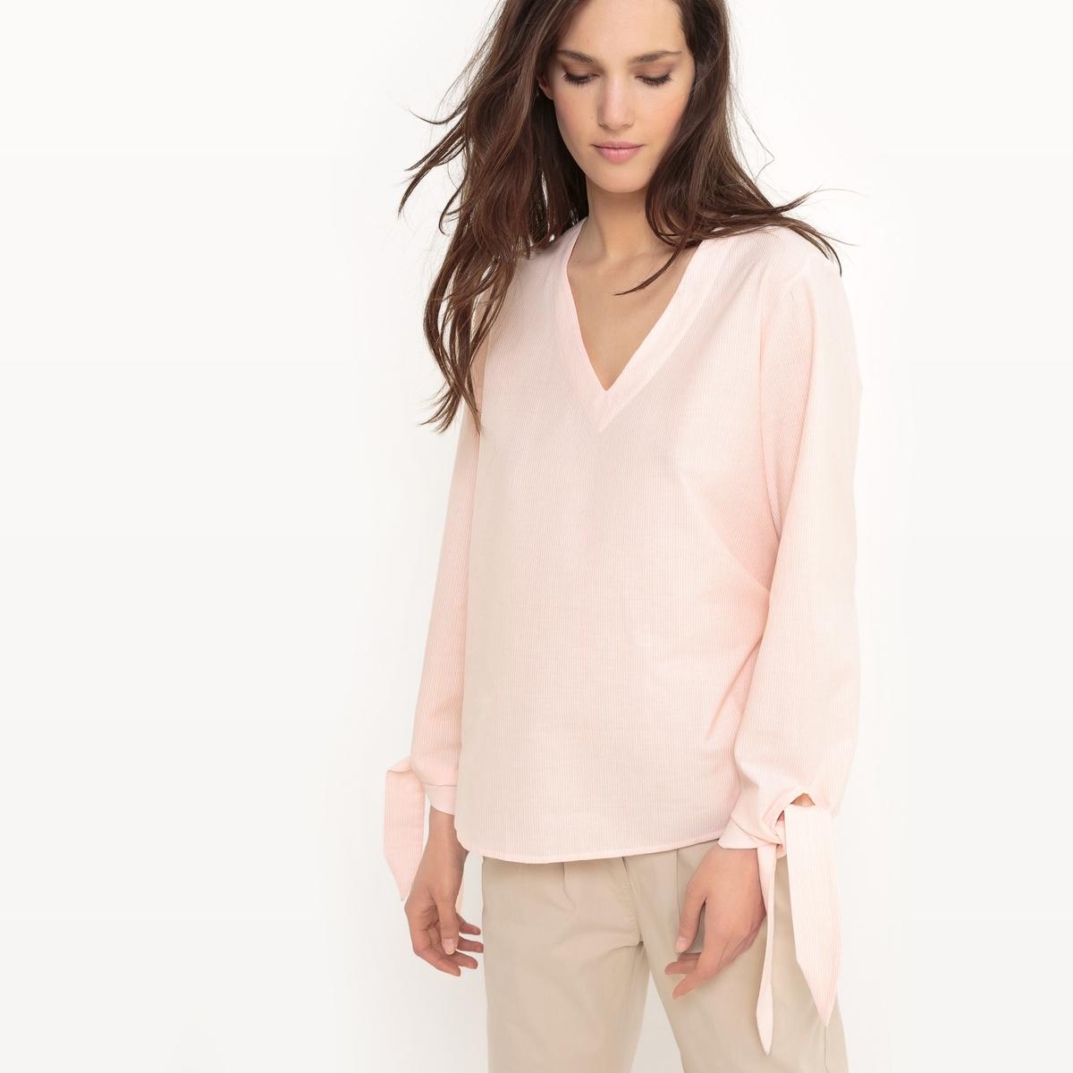 Блузка в полоску с V-образным вырезом