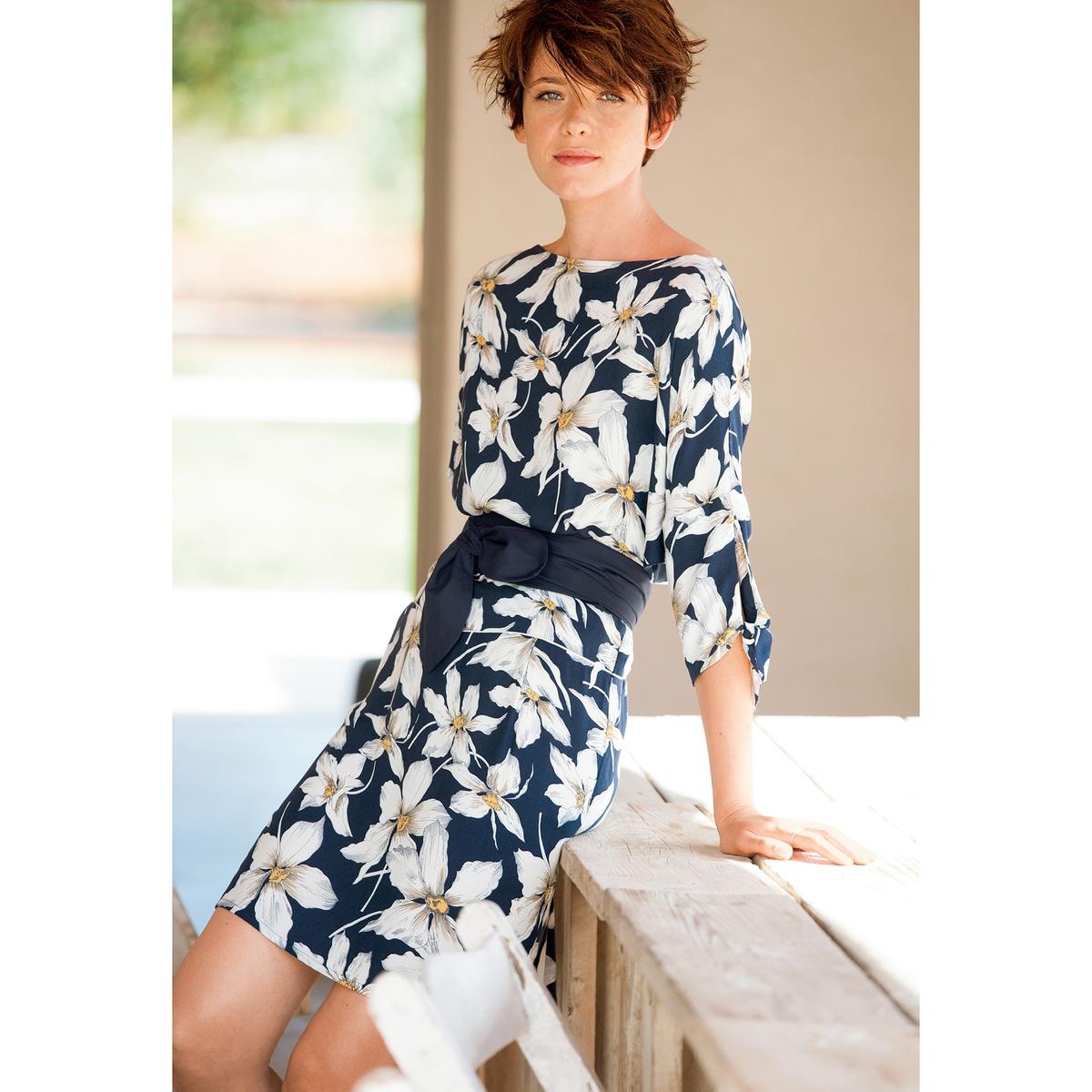 Платье с рукавами 3/4Платье из 100% вискозы. Отрезное по талии. Широкий вырез позволяет открыть плечо. Рукава 3/4 с кулиской. Пояс в комплекте. Длина 92 см.<br><br>Цвет: набивной рисунок<br>Размер: 42 (FR) - 48 (RUS).46 (FR) - 52 (RUS)