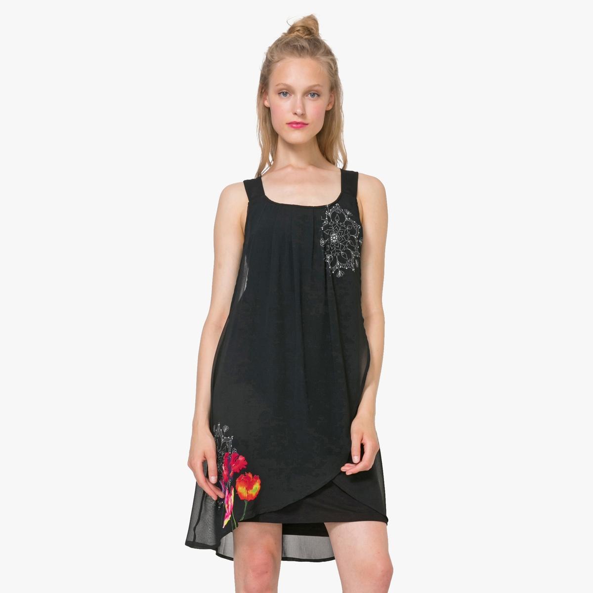 Платье с бретелями с цветочным рисункомДетали  •  Форма : прямая •  Короткое •  Тонкие бретели    •  Без воротника •  Рисунок спередиСостав и уход •  100% полиэстер •  Следуйте советам по уходу, указанным на этикетке<br><br>Цвет: черный<br>Размер: 42 (FR) - 48 (RUS)