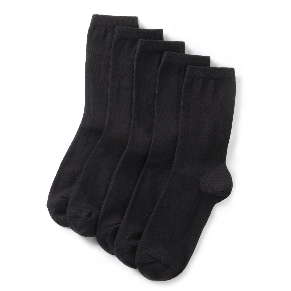 Комплект из 5 пар однотонных коротких носковКомплект из 5 пар однотонных носков  . До середины голени .Детали •  5 пар однотонных носков .Характеристики   •  До середины голени.Состав и уход •  76% хлопка, 23% полиамида, 1% эластана  •  Машинная стирка при 30°, на умеренном режиме  •  Стирать с вещами подобного цвета<br><br>Цвет: черный