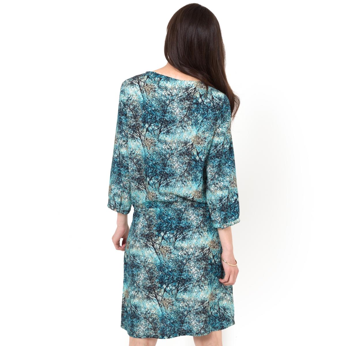 Платье с рукавами 3/4Платье из 100% вискозы. Рукава 3/4. Пояс на кулиске, с кисточками. Вырез-капелька с застежкой на плоскую пуговицу. Длина 92 см.<br><br>Цвет: набивной рисунок<br>Размер: 34 (FR) - 40 (RUS)