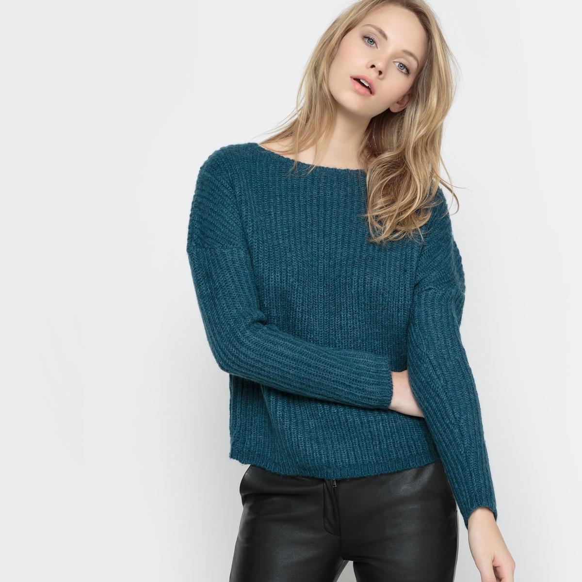 Пуловер теплый с приспущенными проймами