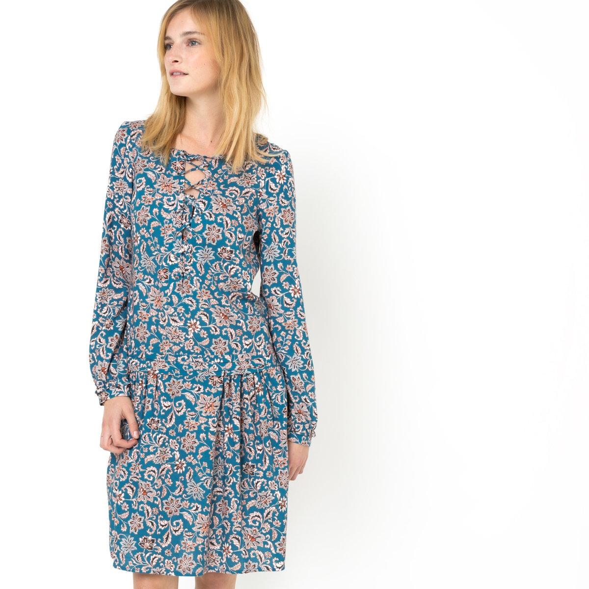 Платье с рисункомПлатье с рисунком, 100% вискозы. Квадратный вырез с V-образным разрезом на шнуровке. Длинные рукава и манжеты на резинке. Платье отрезное по талии. Заниженная линия талии со складками. Длина 95 см.<br><br>Цвет: набивной рисунок<br>Размер: 34 (FR) - 40 (RUS)