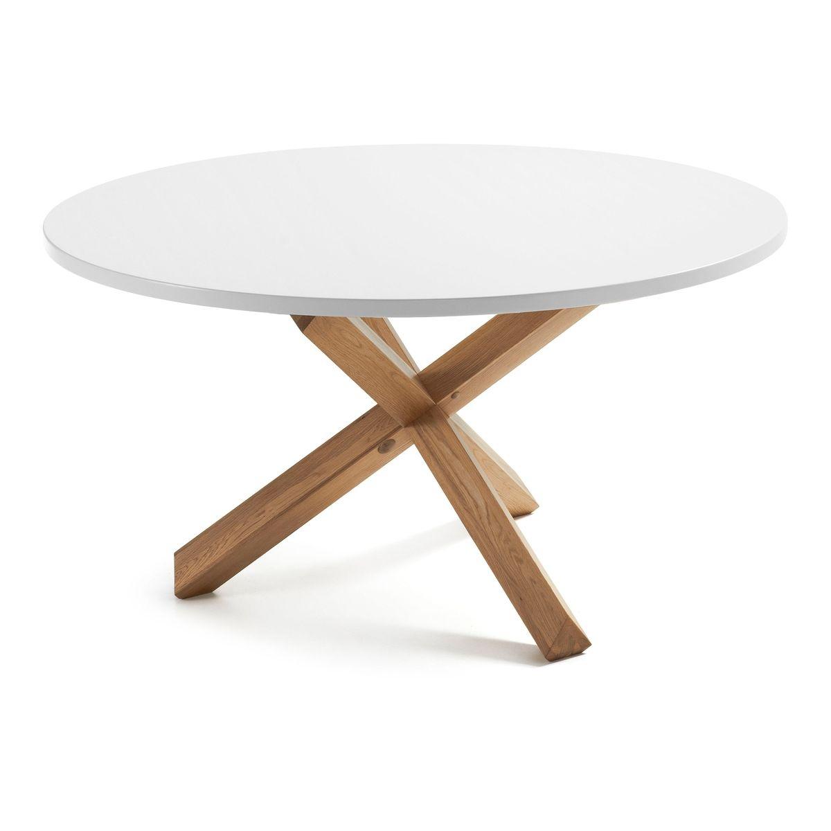 Table à dîner au piétement en croix