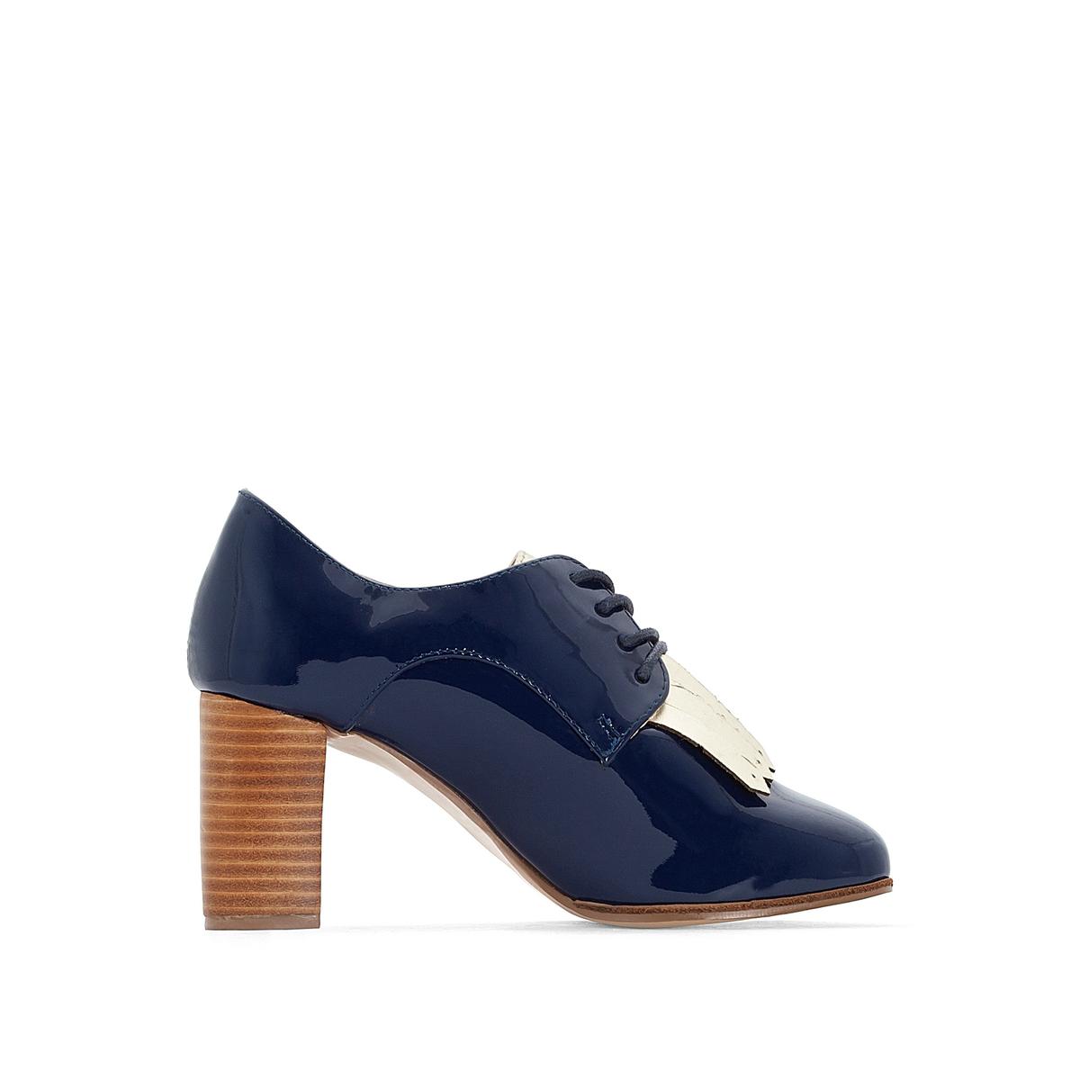 Ботинки-дерби кожаные лакированные на высоком каблукеОписание:Детали   •  Мокасины •  Высота каблука : 7 см •  Застежка : без застёжки •  Круглый мысок •  Гладкая отделкаСостав и уход   •  100% кожа •  Подкладка : 100% синтетический материал •  Стелька : 100% эластомер •  Подошва : 100% кожа<br><br>Цвет: темно-синий