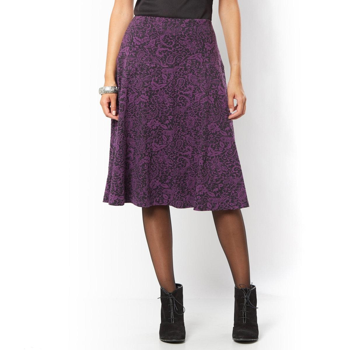 Юбка жаккардоваяЖаккардовая юбка. Широкая вставка на поясе, удобный эластичный ремень. Широкий покрой со складками. Подкладка из полиэстера. Длина ок. 60 см. Трикотаж: 54% полиэстера, 44% хлопка, 2% эластана.<br><br>Цвет: фиолетовый<br>Размер: 42 (FR) - 48 (RUS)