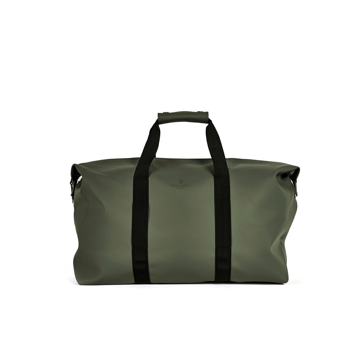 Сумка дорожная BAG 44 лДорожная сумка RAINS - модель BAG GREEN из полиэстера и полиуретана. 1 большое отделение с застёжкой на молнию. 2 больших контрастных ремешка для переноски в руке или на плече . 1 плечевой ремень в комплекте. Водонепроницаемые ткань и молния. Состав и описание         Материал : 50% полиуретана, 50% полиэстера   Размеры : В. 41 см x Ш. 51 см  x Г. 21 смОбъем : 44 л        Марка : RAINS<br><br>Цвет: зеленый
