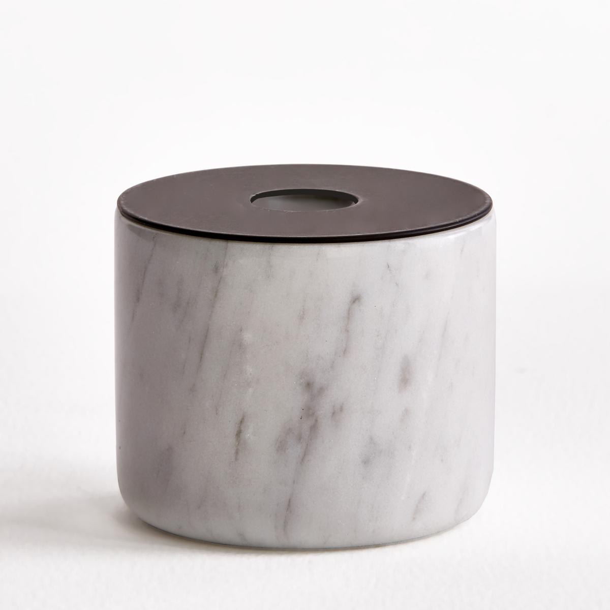 Подсвечник мраморный, размер 2, В.6 см, MalerbaПодсвечник Malerba. Из мрамора и металла черного цвета. Для свечи диаметром 2 см. Размеры  :  диаметр 7,5 x высота 6 см.<br><br>Цвет: мраморный