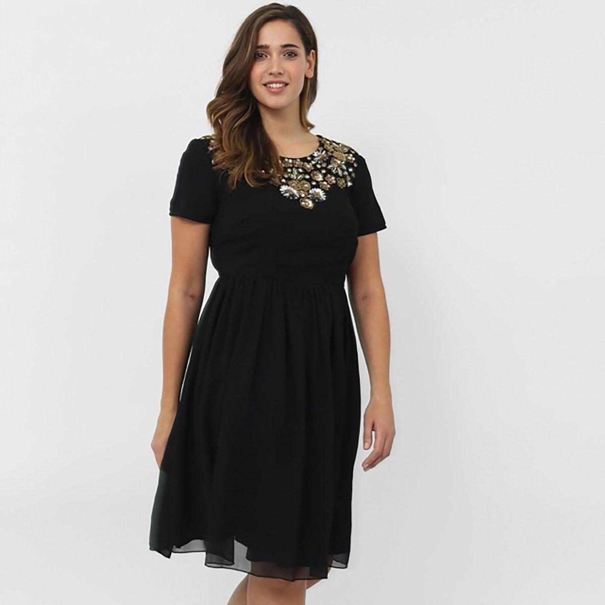 ПлатьеПлатье с короткими рукавами LOVEDROBE. Круглый вырез. Декоративные вставки в верхней части . На молнии сзади . 100% полиэстера.<br><br>Цвет: черный<br>Размер: 46 (FR) - 52 (RUS)
