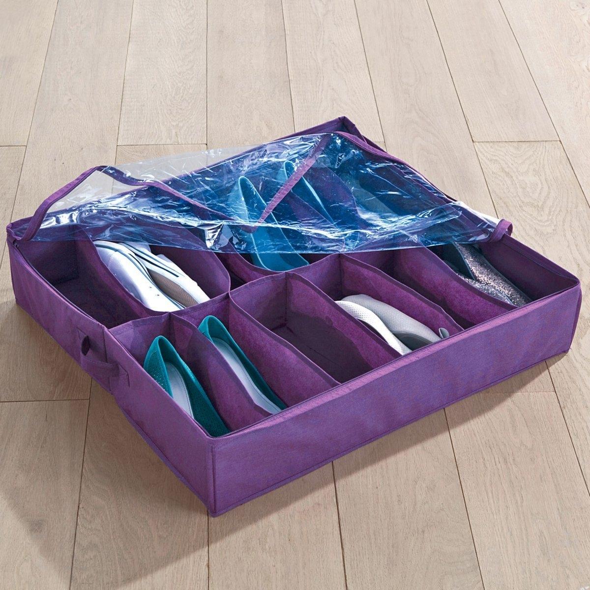 Чехол для обувиЧехол для обуви с отделениями. Вмещает до 12 пар обуви и защищает ее от пыли и грязи. Экономит место, можно поместить под кроватью или в нижней части шкафа.Описание чехла для обуви:- Позвляет хранить до 12 пар обуви.- 2 ручки.- Нетканный материал из полипропилена.- Клапан из прозрачного ПВХ надежно защищает обувь от пыли.Размеры:- Общие: Длин.65 x Выс.15 x Шир.60 см.<br><br>Цвет: фиолетовый