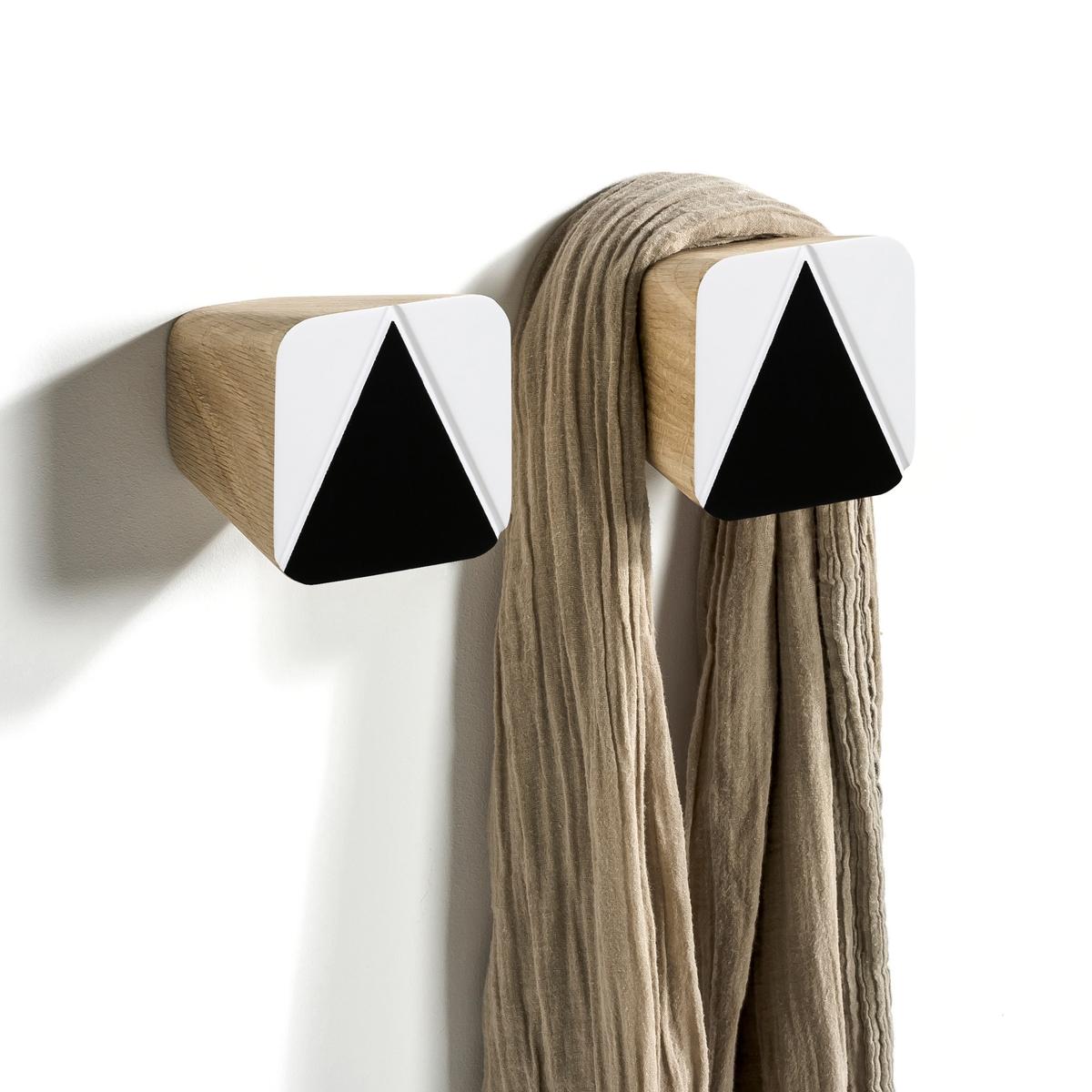 2 вешалкиПростая форма в скандинавском стиле. Разместив их рядом, Вы украсите стену в доме. Характеристики:-Выполнены из крашеного дуба.- Крепятся к стене (болт и дюбель для крепления продаются отдельно).Размеры:- 8 x 8 x 8 см.Продаются комплектом из 2 шт.<br><br>Цвет: разноцветный,черный/ белый
