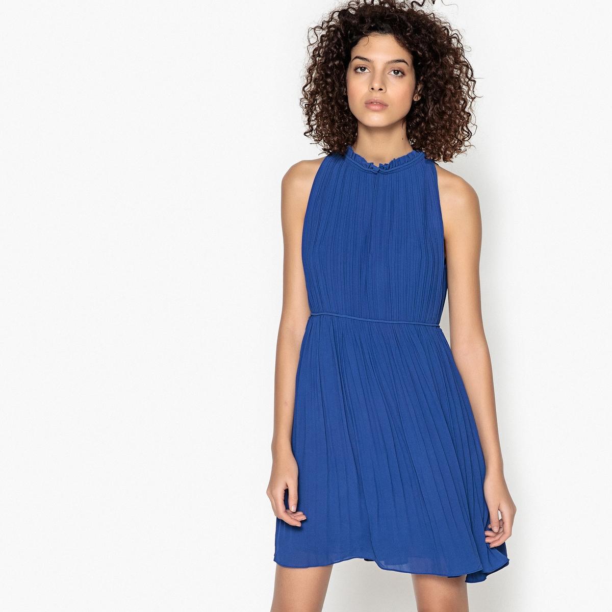 Платье короткое плиссированное однотонное, без рукавов