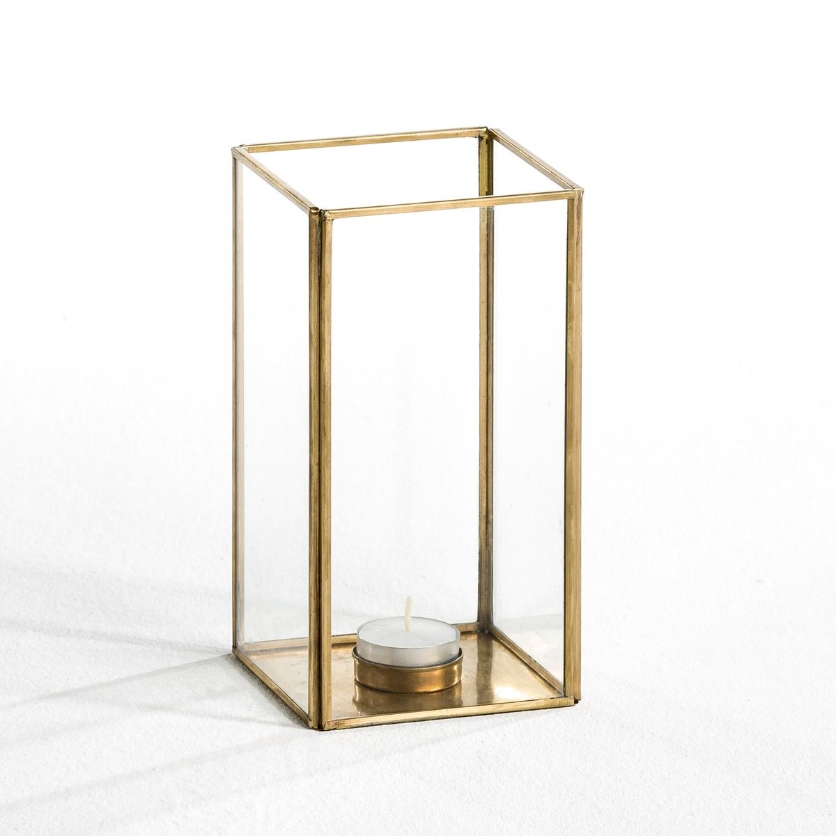 Абажур для свечи Misia, маленькая модельКаркас из металла с отделкой латунью и стекла толщиной 2 мм. Подходит для свечей диаметром 10 см и высотой 15 см. Размеры: Д.10 x В.20 см x Г.10 см.<br><br>Цвет: латунь