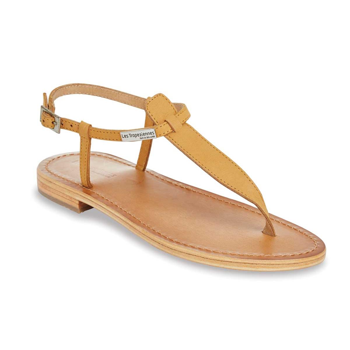 Сандалии из кожи Narbuck, на плоском каблуке и с перемычкой между пальцамиМинималистический и утонченный дизайн в изысканном исполнении... Эти сандалии будут дарить вам чувство свободы на протяжении всего лета !<br><br>Цвет: бежевый,красный<br>Размер: 37.41.35.39.41