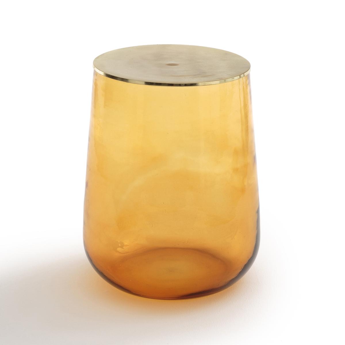 Столик журнальный из стекла, Conop?eЖурнальный столик  Conop?e. Легкий и воздушный столик внесет яркий штрих в интерьер гостиной. Верх может быть стеклянным или металлическим, на Ваш выбор. Столик также можно использовать как прикроватный. Ручное производство стекла, каждая модель уникальна.Описание : - Из крашеного стекла- Столешница из металлаРазмеры :- ? сверху 36, ? снизу (со стороны металлической пластины) 30,4 x В.45 смРазмеры и вес упаковки: - Ш.49 x В.61 x Г.49 см, 12,5 кг<br><br>Цвет: Свежая мята