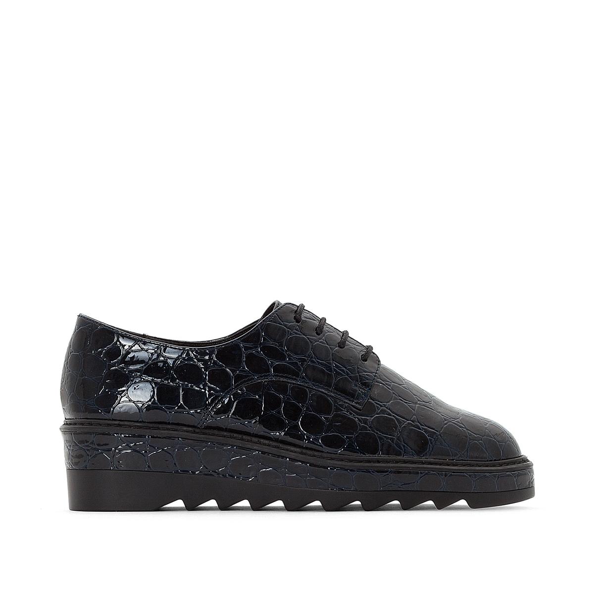 Sapatos derbies aspeto crocodilo