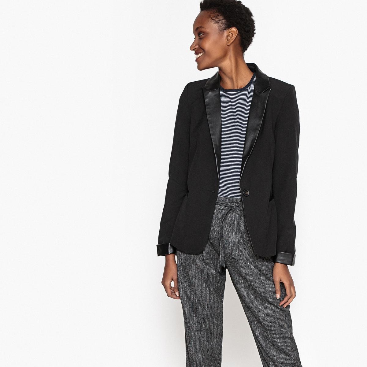 Куртка-блейзер приталеннаяДетали •  Блейзер •  Приталенный покрой   •  Воротник-поло, рубашечный Состав и уход •  19% вискозы, 4% эластана, 77% полиэстера •  Следуйте рекомендациям по уходу, указанным на этикетке изделия<br><br>Цвет: черный<br>Размер: M