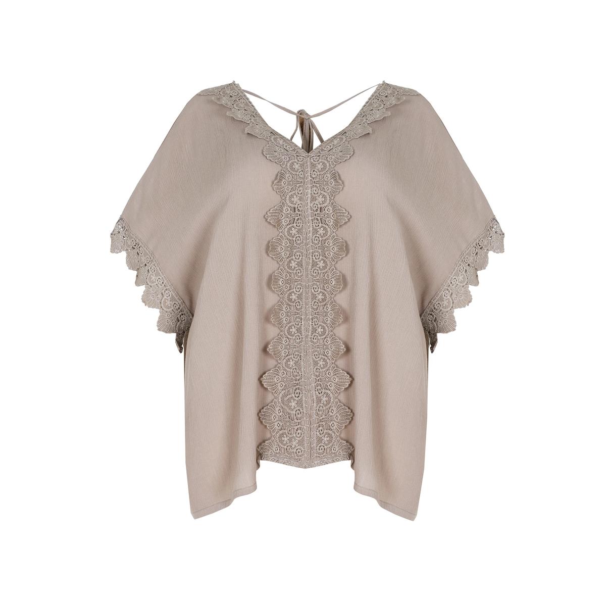 БлузкаБлузка с рукавами из струящейся ткани MAT FASHION. Струящаяся, мягкая ткань.  V-образный вырез и рукава с украшением кружевом. Спинка присборена шнурками. 100% Вискоза<br><br>Цвет: бежевый