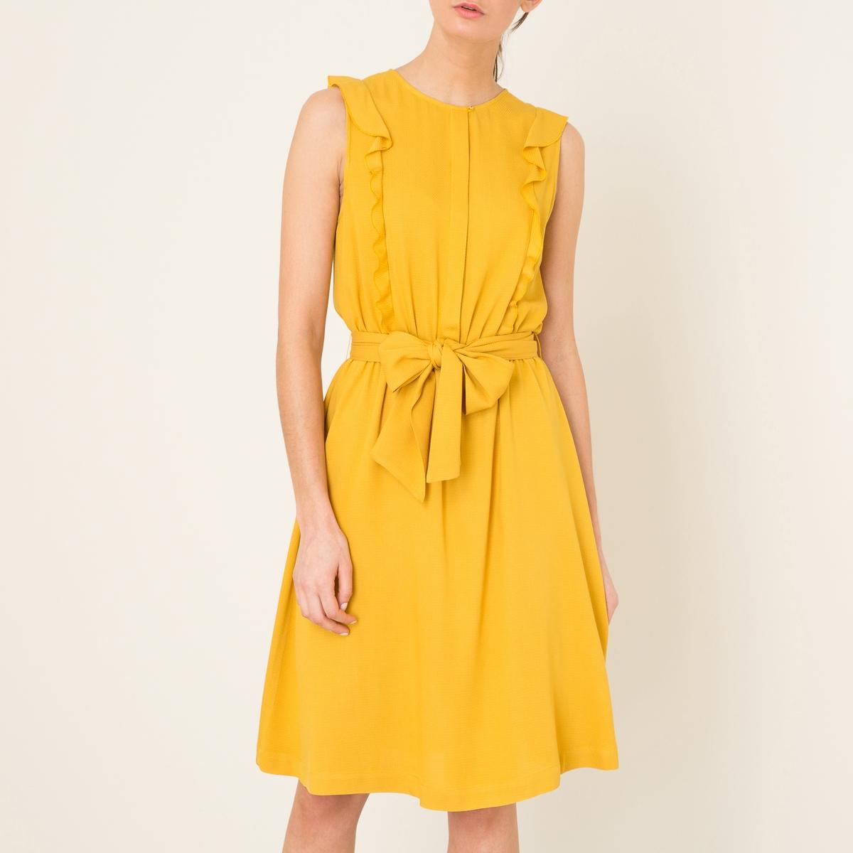 Платье QUETZALПлатье SESSUN - модель QUETZAL с воланами . Круглый вырез. без рукавов. Вырез на потайных пуговицах спереди. Воланы спереди. Присборенная талия с широким ремешком . Средняя длина. Струящийся покрой.Состав и описание   Материал : 100% вискоза   Марка : SESSUN<br><br>Цвет: желтый