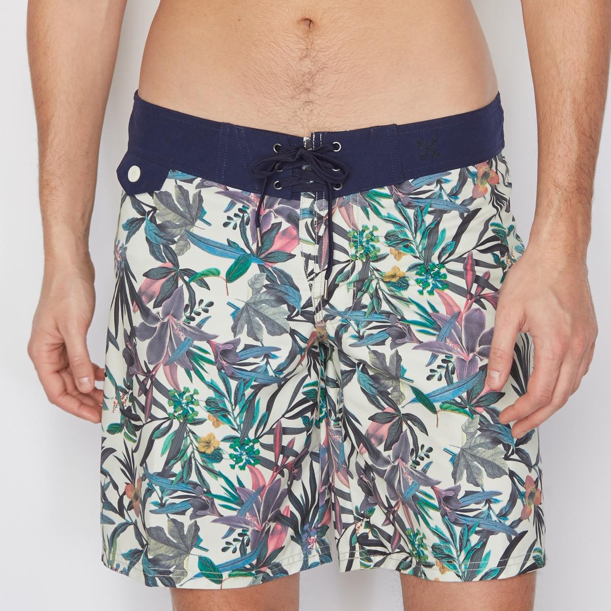 Шорты с рисункомШорты для плавания OXBOW.  Шорты в тропическом стиле яркой расцветки с поясом и контрастными карманами. Плоский пояс с 6 люверсами. Вышитый логотип. Водоотталкивающая, быстро сохнущая ткань.Состав и описание :Материал : 100% полиэстера.Марка : OXBOW.Соответствие размеров : 28=S, 30=M, 31/32=L, 33/34=XL, 36/2XL.<br><br>Цвет: рисунок тропики<br>Размер: M.XL