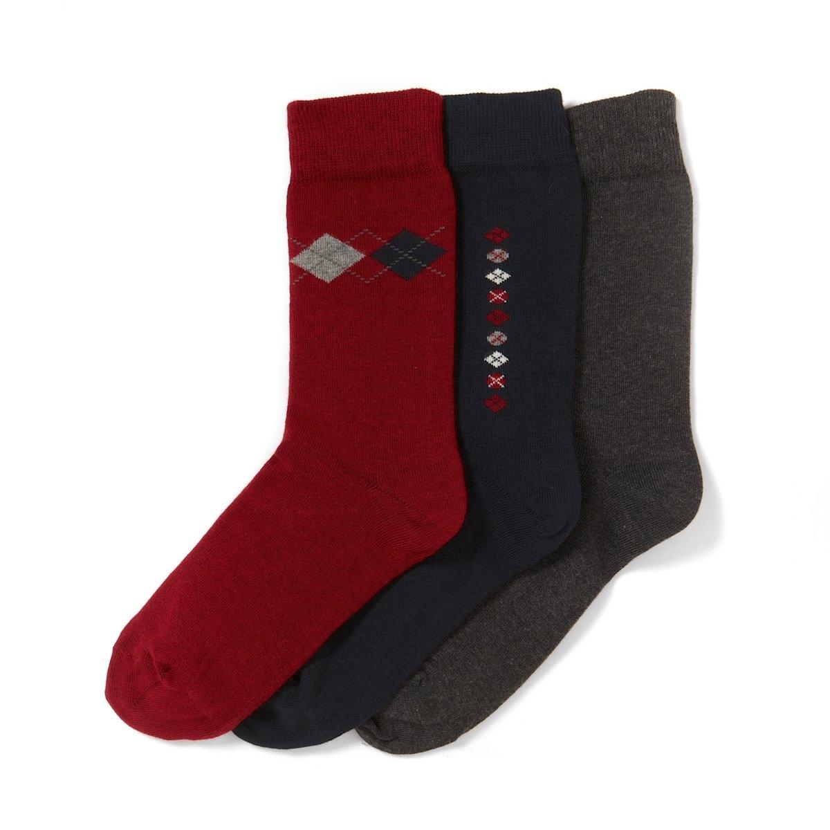 Комплект из 3 пар носковКомплект из 3 пар носков с узором.80% хлопка, 17% полиамида, 3% эластана.2 пары носков с красивым узором, 1 пара однотонных носков:из хлопка стретч, изысканных и удобных одновременно.<br><br>Цвет: темно-синий + красный + антрацит,черный + серый + антрацит/красный,черный + серый + антрацит/серый<br>Размер: 39/42.43/46.39/42.39/42