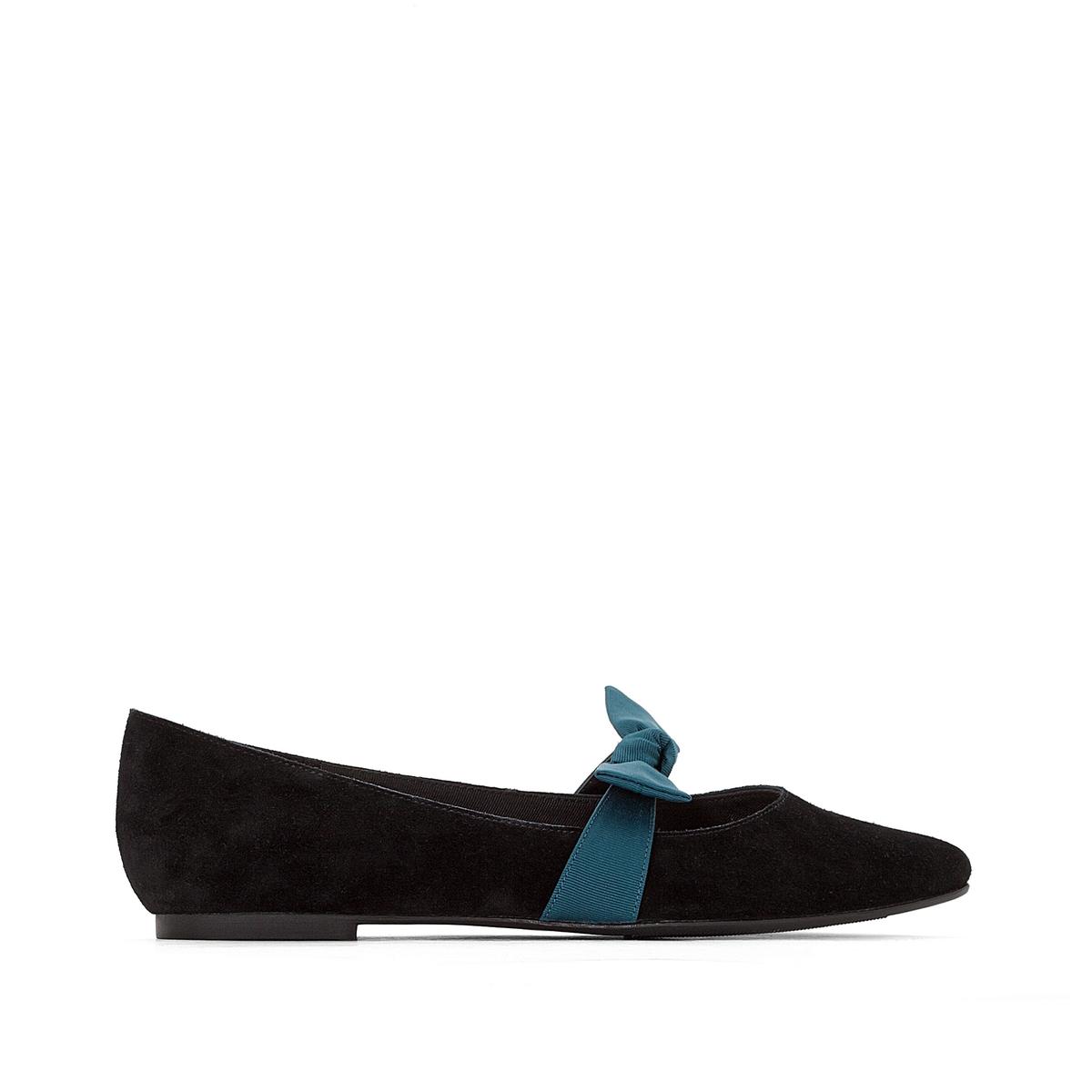 Балетки кожаные с бантомДетали •  Высота каблука : 0 см •  Заостренный мысок •  Застежка : без застежки •  Гладкая отделкаСостав и уход •  Верх 100% кожа • Подкладка 100% кожа   • Стелька 100% кожа  •  Подошва 100% эластомер<br><br>Цвет: синий,черный