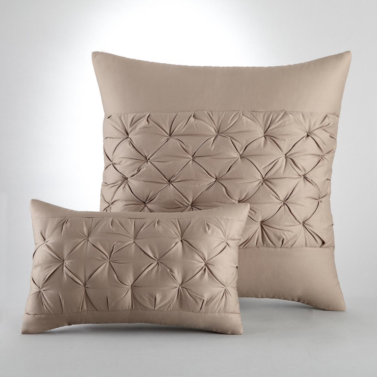 Чехол на подушку KhinХарактеристики наволочки или наволочки на подушку-валик с прострочкой в стиле оригами, Khin :- Наполнитель 100 % полиэстер (250 г/м?)- 1 сторона с оригинальной прострочкой, 1 однотонная сторона, 100% хлопок- 100% сатин- Застежка на банты сзадиМашинная стирка при 40 °С.<br><br>Цвет: бежевый экрю,серо-коричневый,серый<br>Размер: 50 x 30 см.65 x 65  см.65 x 65  см
