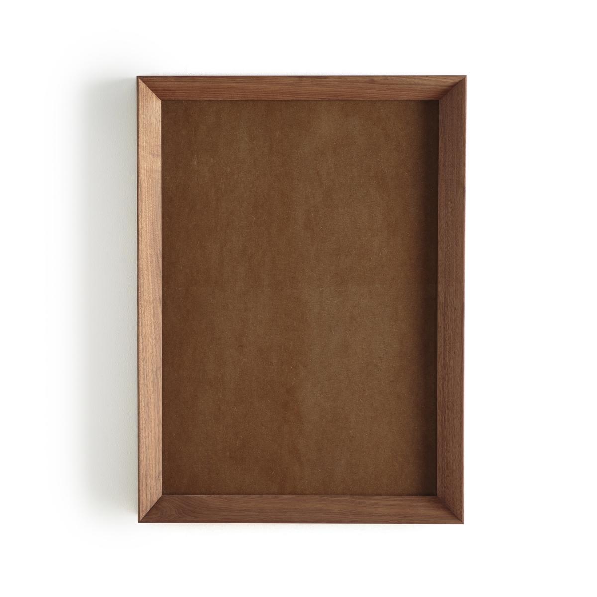 Рамка из орехового дерева, MilouinLa Redoute<br>Рамка Milouin. Контур из массива орехового дерева со скошенными краями и стекло. 4 пластины для горизонтального или вертикального крепления к стене. Для плаката размером 50 x 70 см. Размеры рамки: Ш54 x В74,5 см. Сочетается с плакатами Mitranda и Bialik, продающимися на нашем сайте.<br><br>Цвет: ореховый