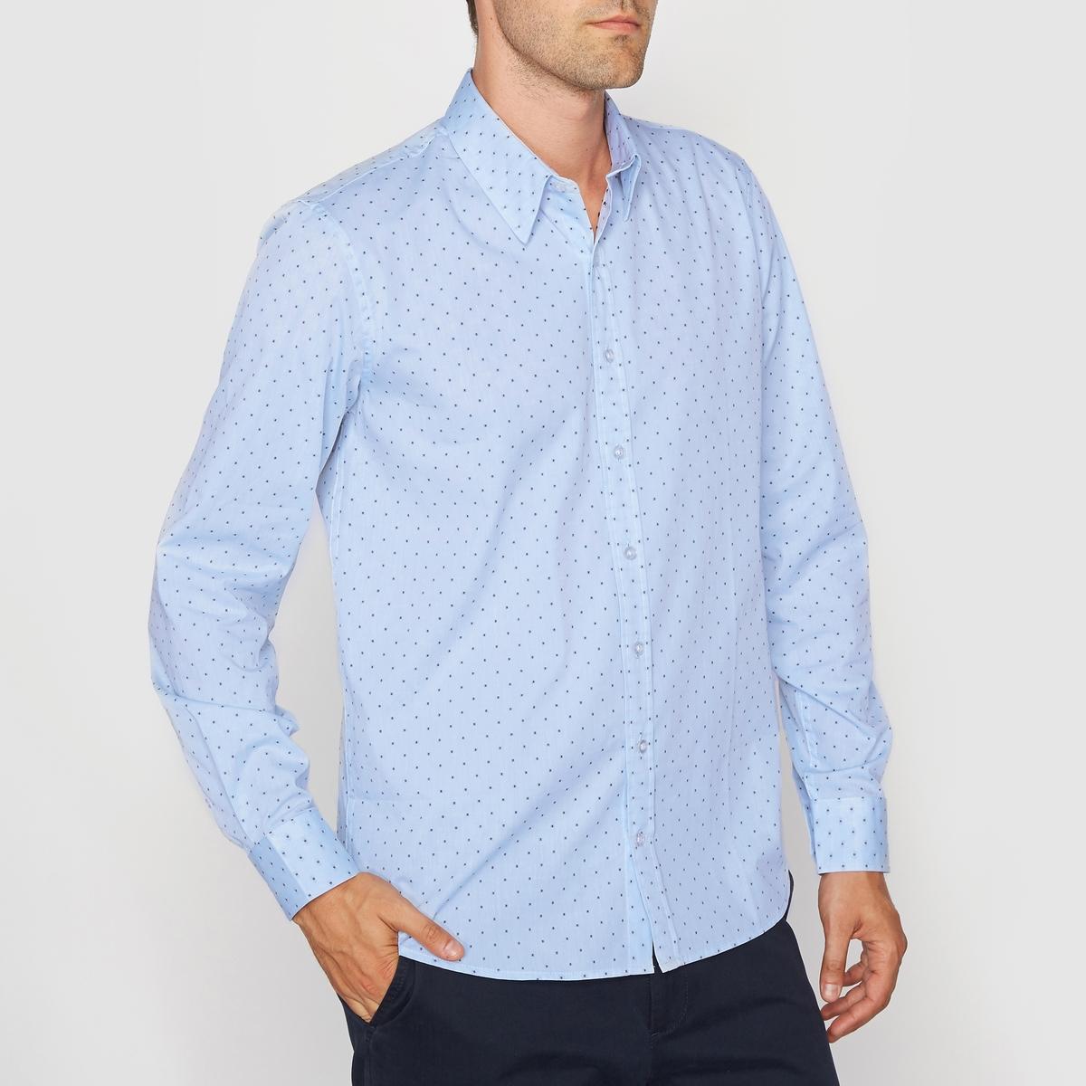 Рубашка прямого покроя с длинными рукавами, 100% хлопокРубашка с рисунком с длинными рукавами. Прямой покрой и классический воротник со свободными кончиками  . Манжеты с застежкой на пуговицы. Состав и описание :Основной материал : 100% хлопкаДлина : 77 смМарка : R essentiel.Уход :Машинная стирка при 30 °CСтирать вместе с одеждой подобных цветовСтирка и глажка с изнаночной стороныЗапрещена сухая (химическая) чистка<br><br>Цвет: в елочку/голубой