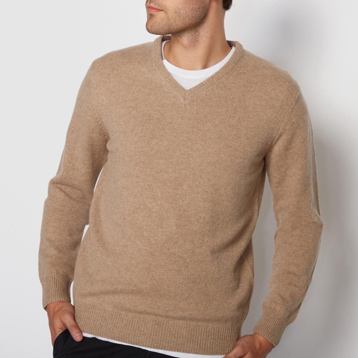 Пуловер с V-образным вырезом,  100% овечьей шерстиПуловер с V-образным вырезом,  100% овечьей шерсти. V-образный вырез. Длинные рукава. Отделка рубчиком выреза, манжет и низа. Длина 68 см.                   Подробное описание:          Состав и детали         Материал : 100% овечьей шерсти          Марка : R essentiel.<br><br>Цвет: Зеленый хаки меланж,Красный темно-бордовый,темно-бежевый меланж<br>Размер: 3XL.XXL